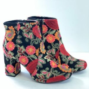 Mia Vail Black Bouquet Boots Size 8 and 8.5